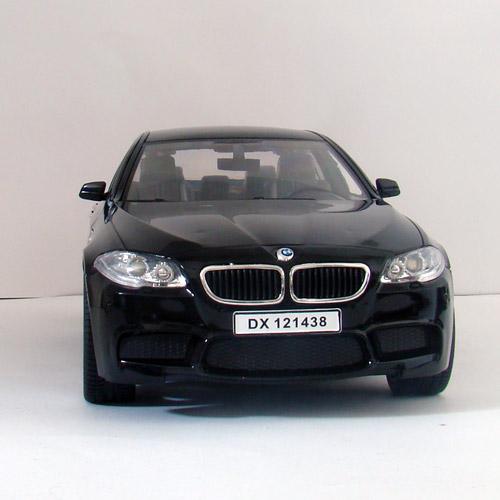 Машина 1:14 BMW M5 F10 (33 см) - Фотография
