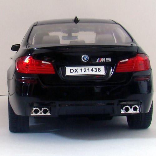 Машина 1:14 BMW M5 F10 (33 см) - Фото