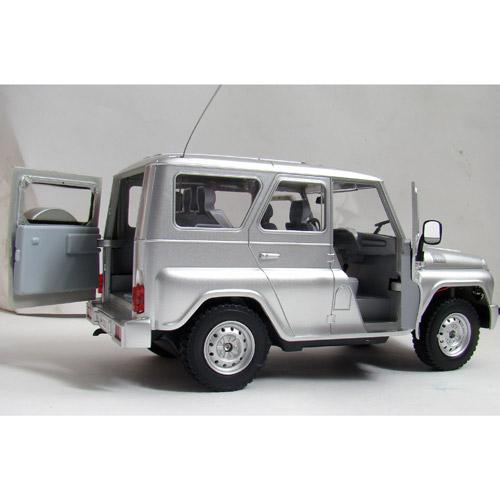 Радиоуправляемая Машина 1:16 УАЗ Hunter (25 см., открываются двери) - Фото