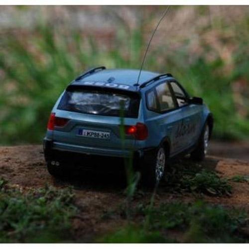 Машина 1:18 BMW X5 - Фото