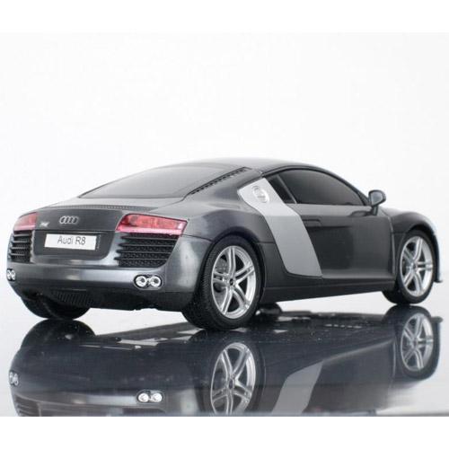 Машина 1:20 Audi R8 - Фотография