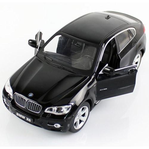 Маленькая металлическая радиоуправляемая BMW X6 с открывающимися дверьми (1:24, 20 см)