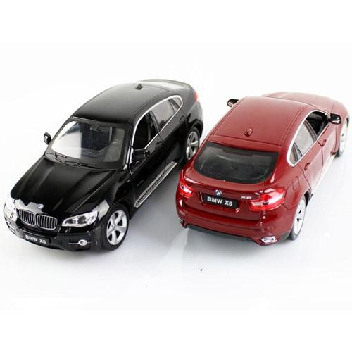 Маленькая металлическая радиоуправляемая BMW X6 с открывающимися дверьми (1:24, 20 см) - Изображение