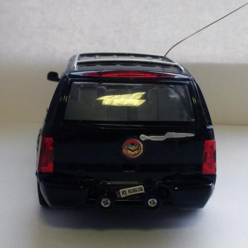 Маленькая радиоуправляемая машинка Cadillac Escalade (1:28, 17 см) - Фото