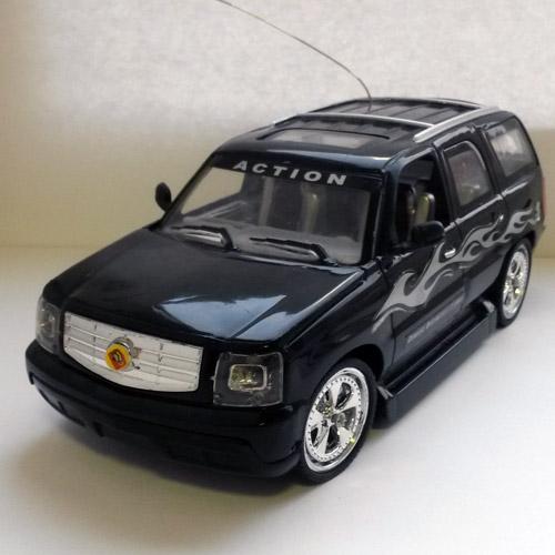 Маленькая радиоуправляемая машинка Cadillac Escalade (1:28, 17 см) - Фотография