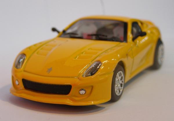 Радиоуправляемая микро Ferrari 599 (1:43, 9 см.) - Картинка