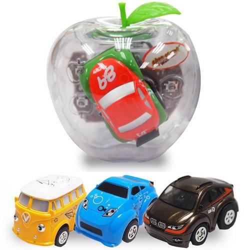 Радиоуправляемая мини-машинка в яблоке (5 см.)