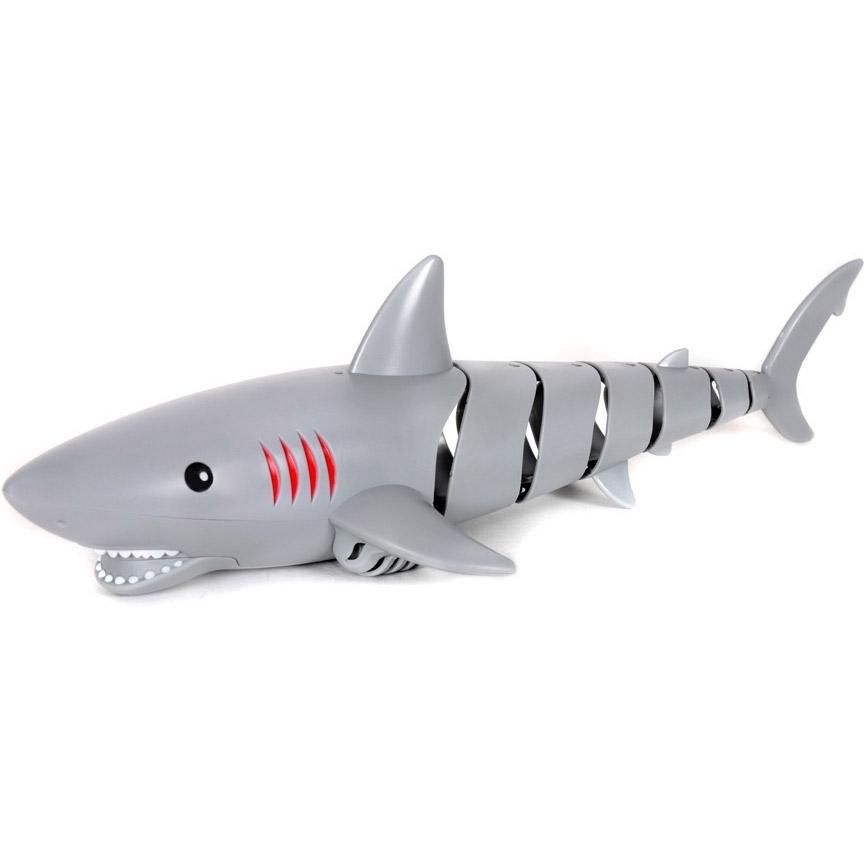 Акула на пульте управления