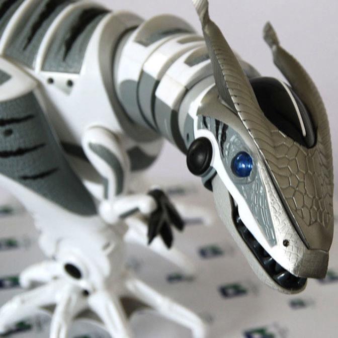 Радиоуправляемый Робот-динозавр Robosaur (80 см.) - Фото