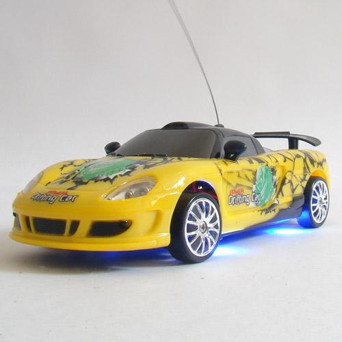 Желтый Радиоуправляемая машинка для дрифта Porsche Carrera (1:24, 18 см)