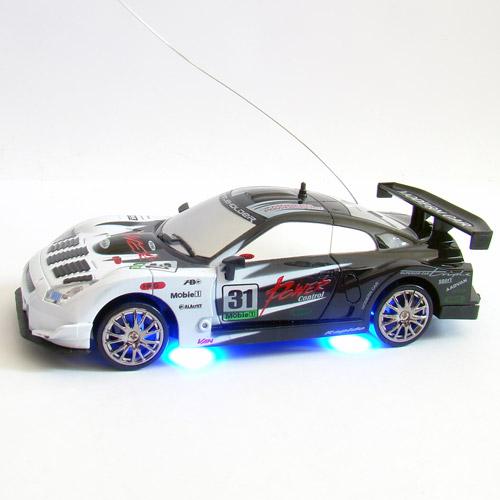 Радиоуправляемая машинка для дрифта Nissan GTR (1:24, 18 см, неоновая подсветка) - В интернет-магазине