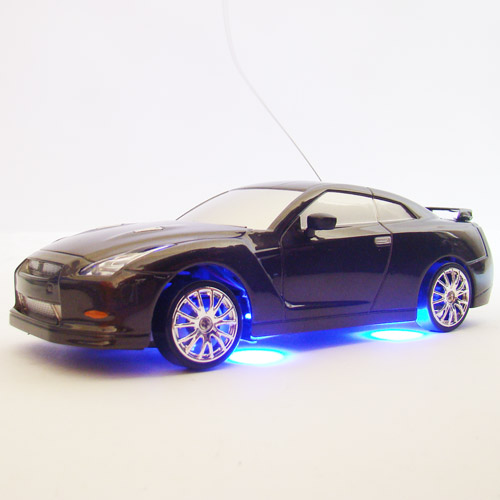Черный Радиоуправляемая машинка для Дрифта Nissan Skyline GTR R35 с неоновой подсветкой (1:24, 18 см)