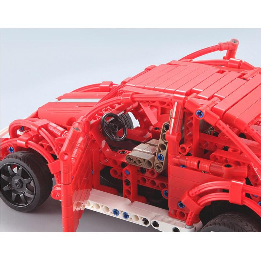 Радиоуправляемый Конструктор Машинка Жук (472 деталь, 30 см.) - Картинка