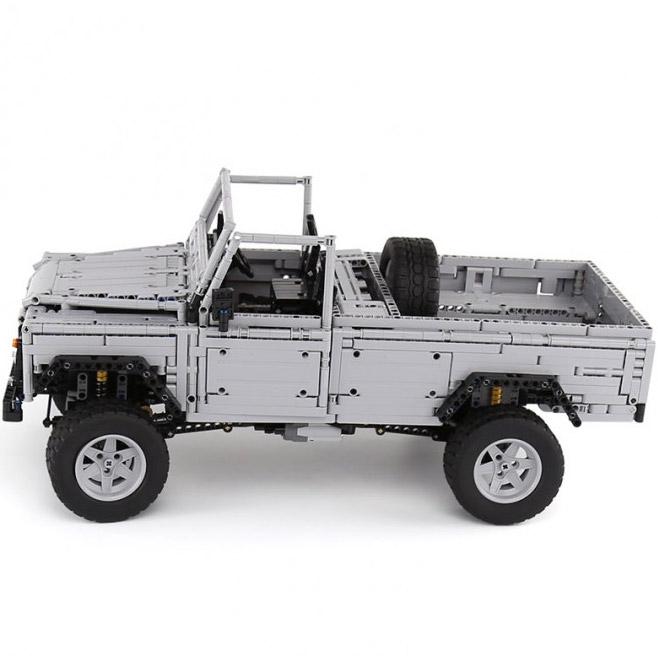 Радиоуправляемый Конструктор Land-Rover Defender (3643 деталей, 60 см) - В интернет-магазине
