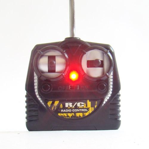 Радиоуправляемый экскаватор 1:24 - Фото