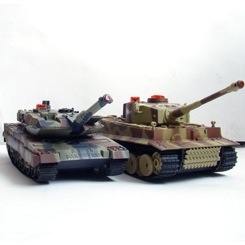 Большой Радиоуправляемый Танковый бой 1:24  Leopard 2A5 vs. Tiger I - Фотография