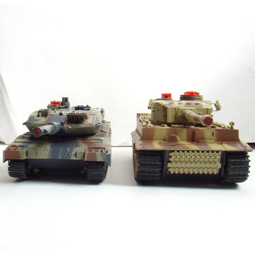 Большой Радиоуправляемый Танковый бой 1:24  Leopard 2A5 vs. Tiger I - Фото