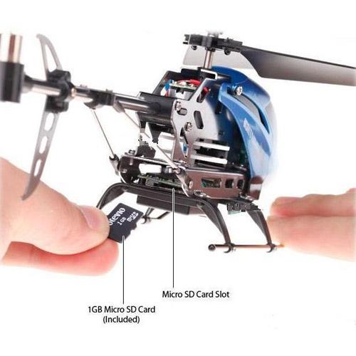 Вертолет на пульте управления с камерой C7 и картой памяти на 1Gb - Фотография